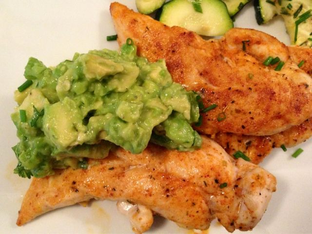 Weight watchers Spicy Chicken And Avocado. South beach diet phase 1 friendly and only 6 ingredients!