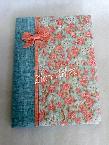 #Diario personalizado con motivos florales y detalles en #puntodecruz