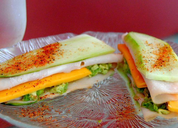 Cucumber Turkey Sandwich #lowcarb #recipes #healthy breadless sandwiches