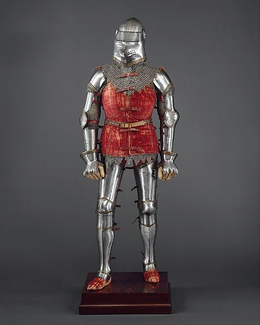 This armor was assembled and restored in the 1920s using individual elements discovered in the ruins of the Venetian fortress at Chalcis, on the Greek island of Euboea, which had fallen to the Turks in 1470. The purpose was to present a full armor of the style worn in Italy ca 1400, a period from which no complete armors survive.