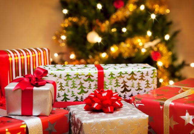 Amo o Natal!   Não por causa dos presentes,   ou ausentes.   mas por causa do mistério do Amo...