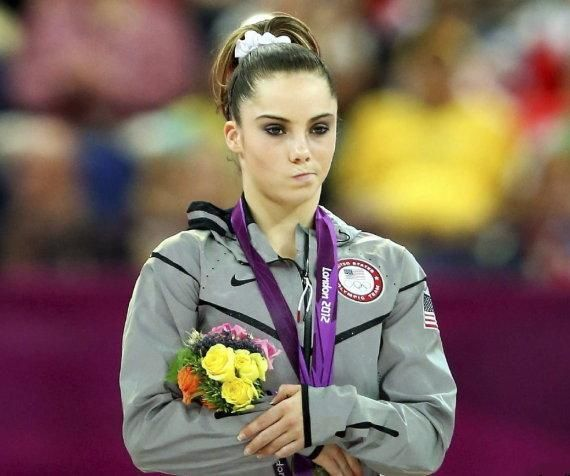"""Barack Obama poses with McKayla Maroney gymnast famous for her pout """"not impressed"""" 