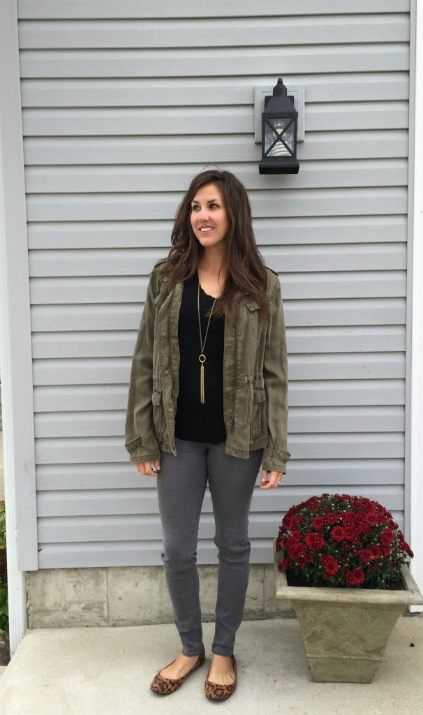 grey jeans outfit, grey jeans black shirt outfit idea, olive jacket outfit idea, how to style grey jeans.