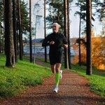 Photo by @Marika Kaeti Nappi #run #running #jogging #training #feelitreal #zeropoint #zpcompression #zpcalfsox #autumn #sky