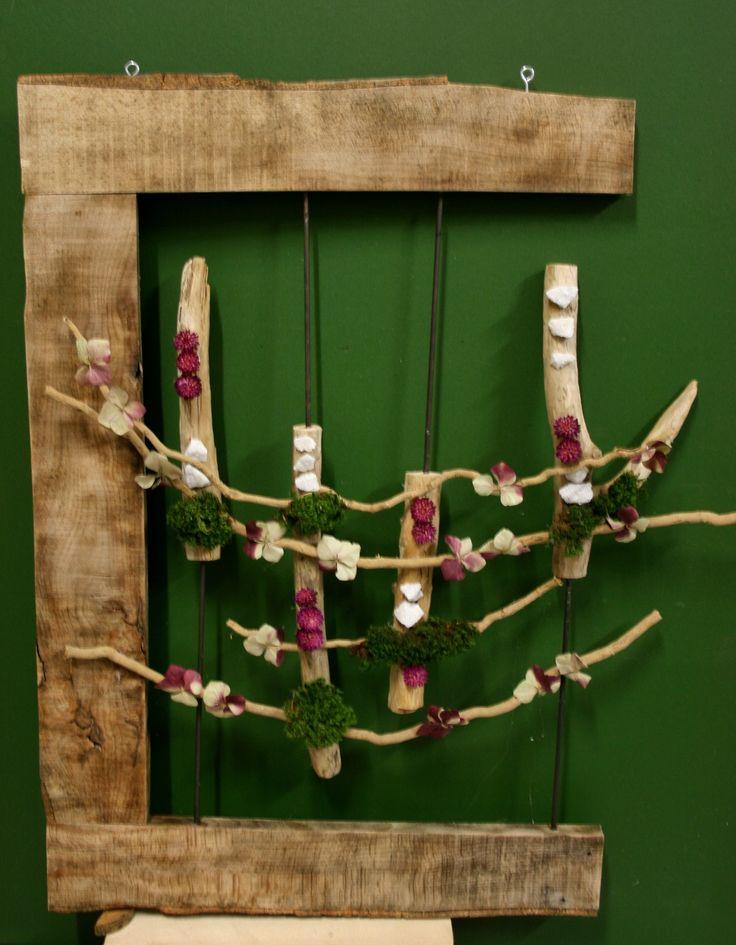 Quadri Con Ortensie : Quadri cornice realizzata con legno recuperato da