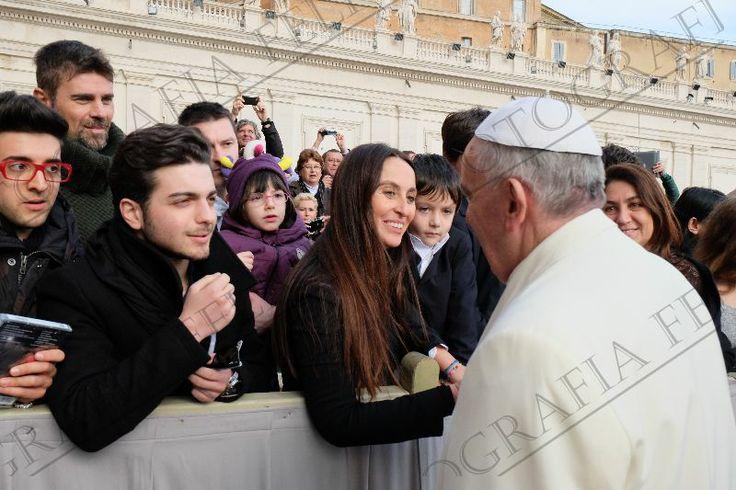 Gian y Piero Esperando la llegada de Papa Para Poder Platicar con el.