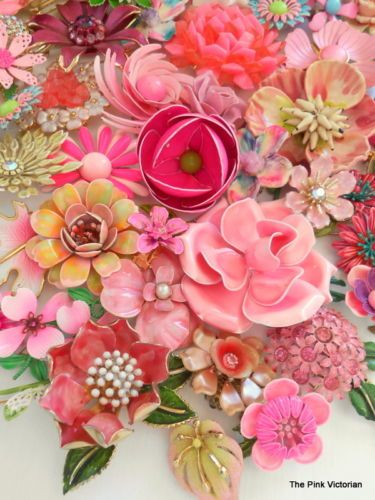 Vtg Flower Pins Earring 60pc Collection Pink Pink Daisy Mums Think Spring   eBay
