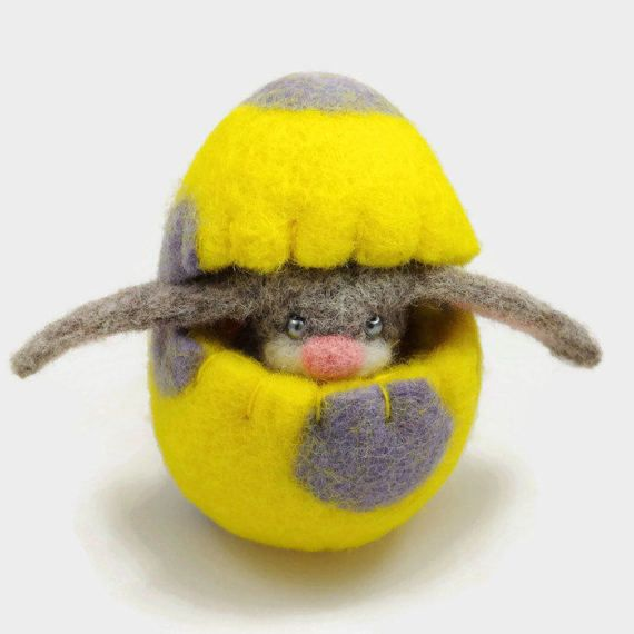 Felt Easter Bunny and a Wool Easter Egg  Easter by MiaPuPe on Etsy