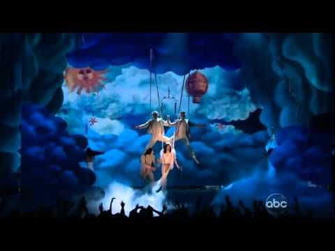 Katy Perry - Wide Awake (Live at Billboard Music Awards 2012)