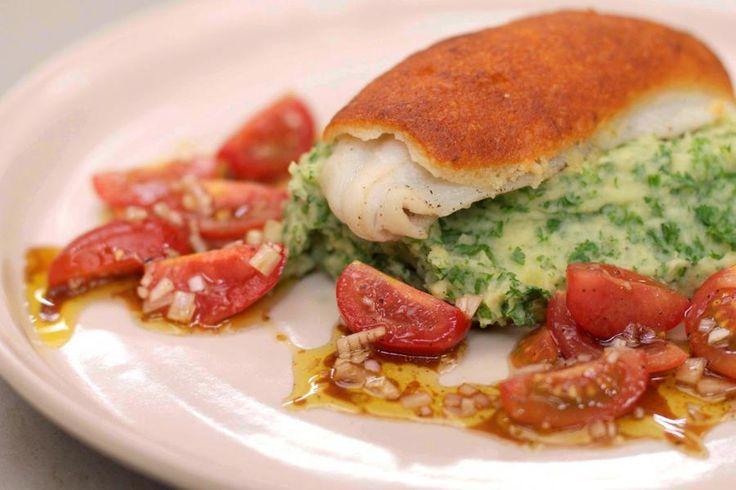 Met de zomer in zicht zijn de pladijzen weer aangesterkt. De vissen die bovengehaald worden zijn helemaal klaar om op uw bord te belanden. Vergeet even de klassieke pladijs in de pan en maak met de filets een originele en vooral lekkere bereiding met een citruskorstje. Maak er een puree met peterselie bij en frisse zomerse salade van kerstomaten, en eindig met een bord puur eetgenot voor liefhebbers van verse vis.