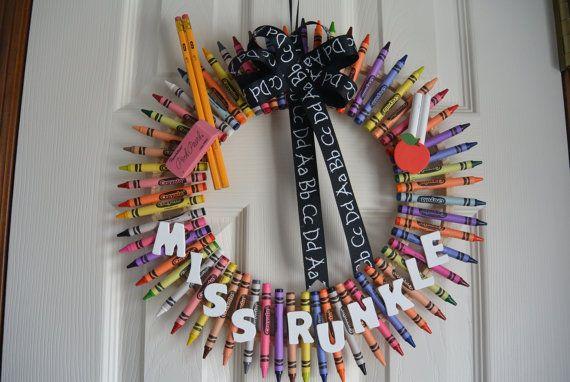 SALE-Teacher Crayon Wreath with School by Amanaramscrafts on Etsy