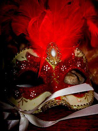 Maquerade. Paper faces on parade.