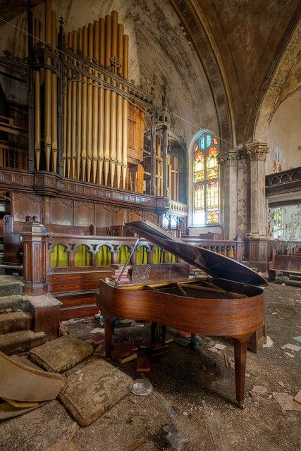 Pipe Organ Abandoned it would be so cool to see what it would sound like to play the piano and sing there