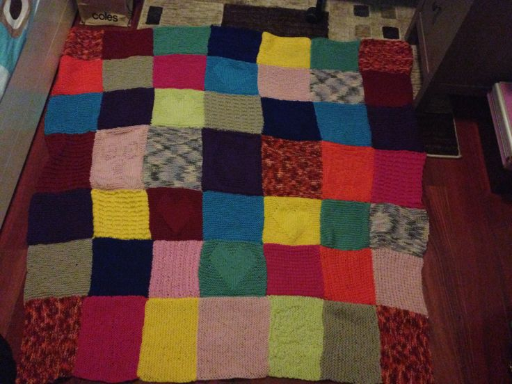knitted squares blanket we made for my mum for christmas :) #knitting…