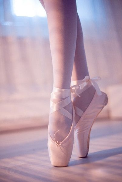 I just love the way her ankles are rounded perfectly sharp and the pointe shoes are so beautiful.