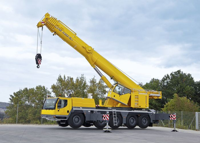 Qualities That Make A Crane Operator Suitable For Your Job Crane