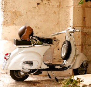 Vespa Motor Scooter, Puglia