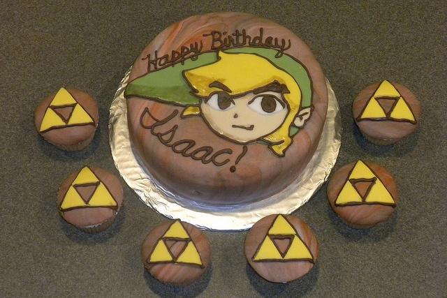 Legend of Zelda Cake and Cupcakes