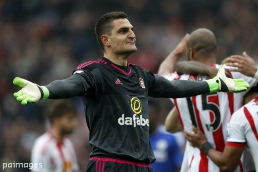 Vito Mannone has signed a new two-year deal with @SunderlandAFC. Full story:  http://asia.eurosport.com/football/vito-mannone-pens-sunderland-contract-extension_sto5674548/story.shtml … #SAFC