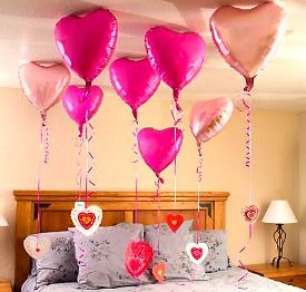 Short on cash!  This is fun to do for your sweetie!  DIY Valentine's Day Gifts for Her | College Lifestyles
