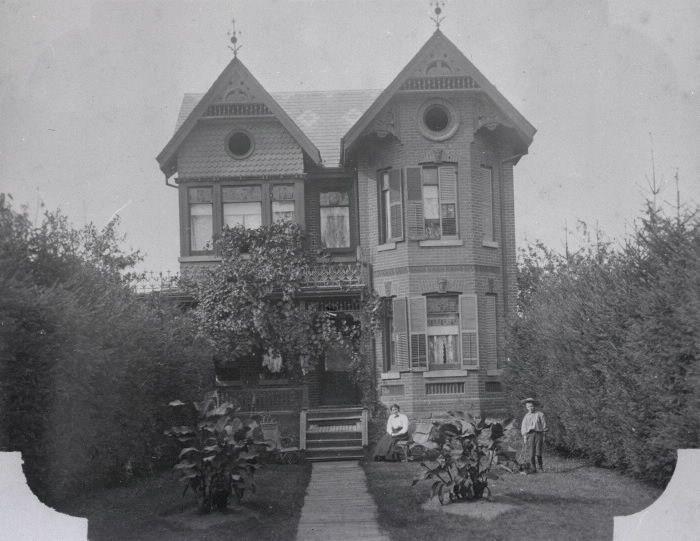 John L. Playter house, Danforth Avenue, northeast corner at Jackman Avenue, 1900