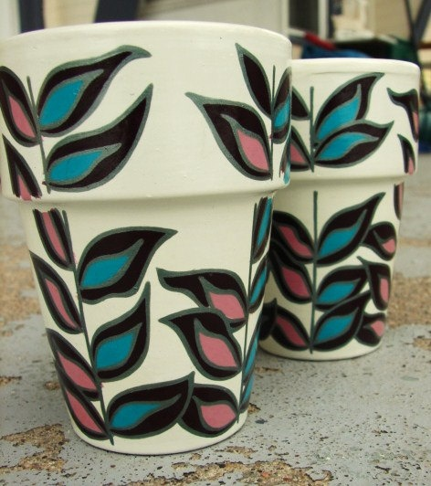 Set of 2 hand-painted ceramic pots - abstract leaves