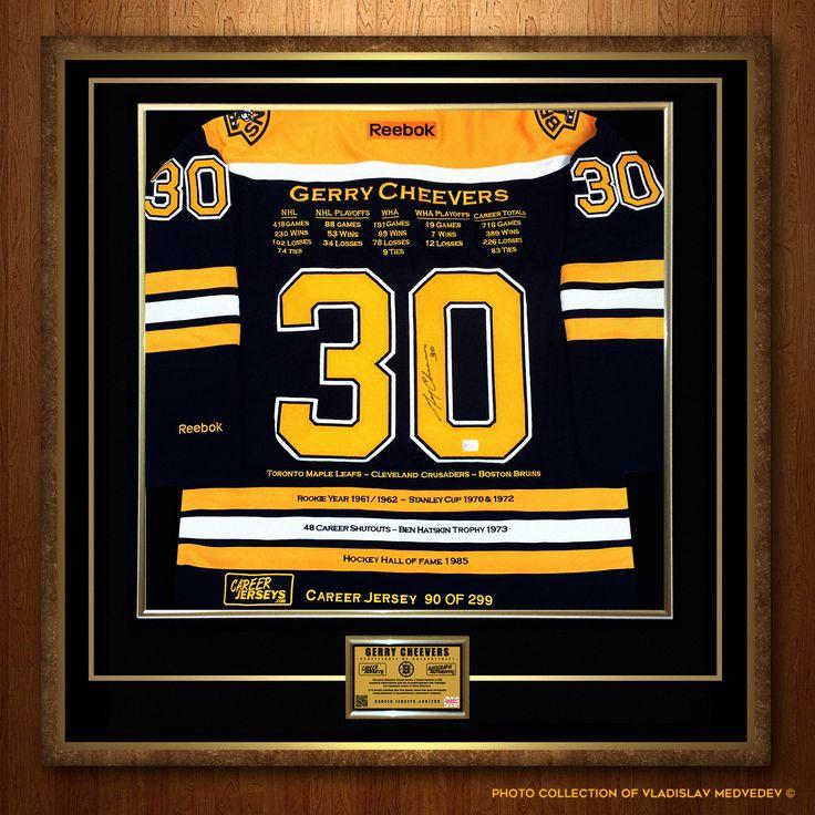 """Карьерный джерси голкипера """"Бостон Брюинз"""" Джерри Чиверса. #хоккейныймузей #хоккей #вратарь #голкипер #НХЛ #легенда #канада #canada #NHL #bostonbruins #goaltender #goalie #хоккейнаяформа #Reebok"""
