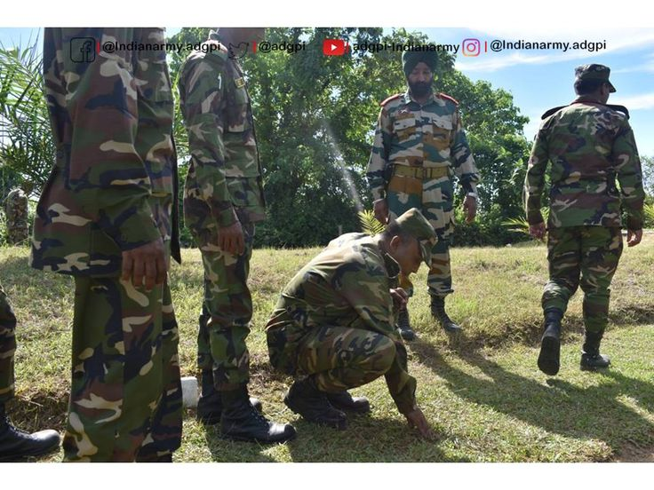 Improvised explosive device #IED trail was  conducted during Exercise #Sampriti17 by #IndianArmy for the #BangladeshArmy troops to acquaint them with the latest trends in IEDs and different types of initiation http://mechanisms.pic.twitter.com/o1FQ3vFkIT #IndianArmy #Army