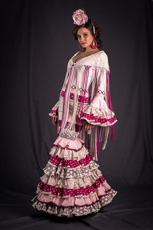 Colección de trajes de flamenca 2013 - Manuela Macías Moda Flamenca