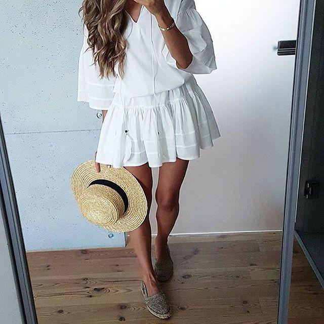 @tojajoanna postawiła na wakacyjny look z MOSQUITO, a Ty? Rabat dla Ciebie➡️➡️➡️15% na wszystko hasło: hotsummer☀️☀️☀️#madeinpoland #wwwmosquitopl #onlinestore #shoppingtime #shoppingtime #ootd #zakupy #sukienka #sukienkanalato #sukienkamosquito #sukienkanawakacje #letniastylizacja #style#stylizacja #blogger #summer #positivevibes #whitedress #lato #wakacje#rabat #taniej #promocja #sale #zrobzakupy