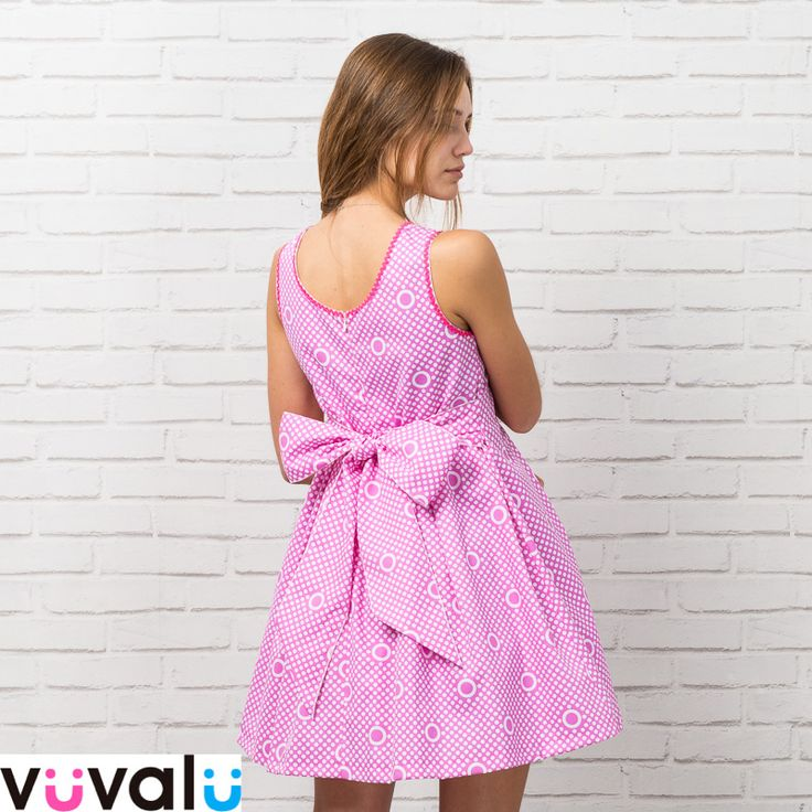 #Vestido original estampado en color fucsia con gran #escote en la espalda de la marca #Anavig