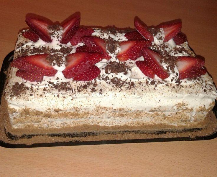 Torta fría de frutillas