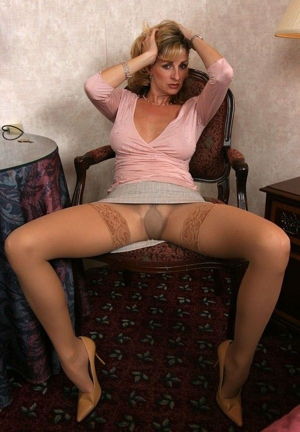 Sites Mature Pantyhose Beige Pictures 15