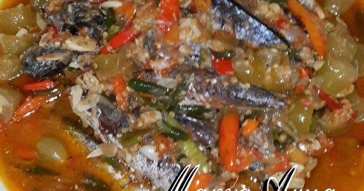 Resep sambal ikan cue belimbing sayur favorit. Hidangan ini sangat disukai teman2 kantor saya...pedasnya maknyosss...apalagi nasinya baru mateng....mantapppppp. Bagi yang suka pedas yuuukk dicoba resep ini.