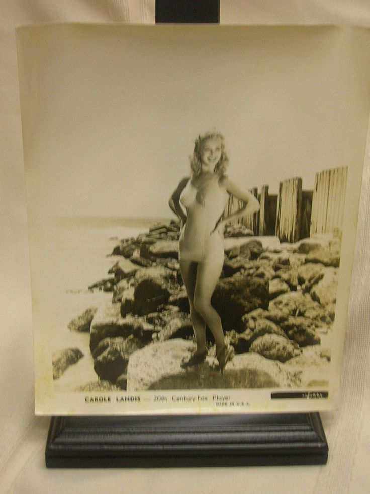 Vintage Photograph Carole Landis 20th Century-Fox Player Pin-up Swimsuit Gal