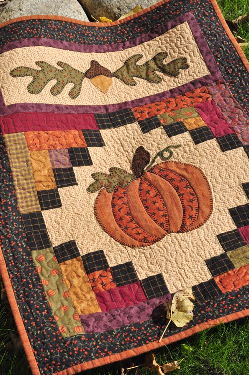 Beautiful Fall quilt wall hanging