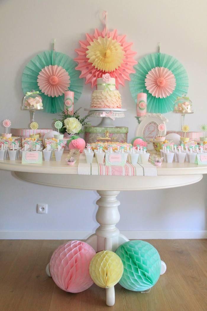 Mesa dulce en tonos pastel, para una fiesta, merienda...