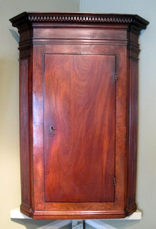 Small Georgian Hanging Corner Cupboard-A fine small George III period  mahogany hanging corner cupboard - 45 Best Cupbaords & Cabinets Images On Pinterest Cupboards