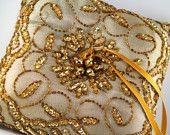 Oro almohada portador del anillo / accesorios nupciales / anillo de bodas almohada / anillo amortiguador único de novia / accesorios de boda de lujo