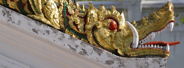 """Laos """"Jewel of the Mekong"""" vom Mekong, Beinamen Neun-Drachen-Fluss, geprägt besticht mit wunderschöner Natur, unzähligen Tempeln, französischem Flair"""