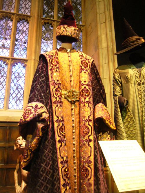 """Richard Harris """"Dumbledore"""" gold/ brown costume from Harry Potter & Philosophers Stone"""