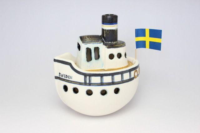 Lisa Larson GUSTAVSBERG BORT/ ボート H=約16cm  ボートの形をしたキャンドル立てです。 中に入れたキャンドルが揺れるとまるでボートが揺れているかのようです。
