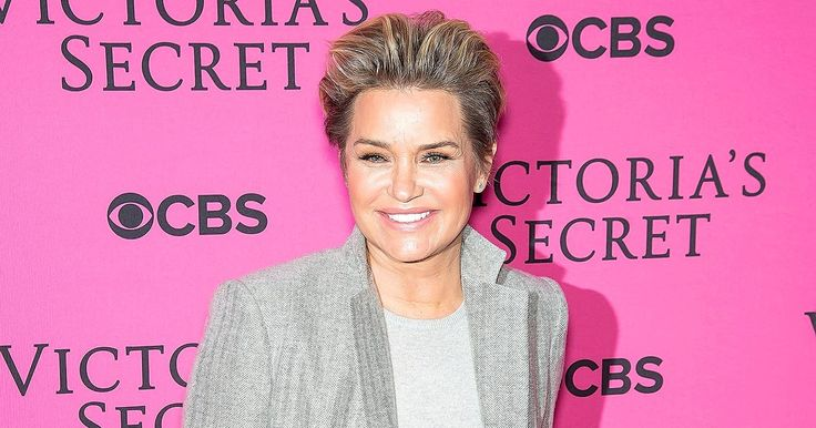 """Following her split from David Foster after four years of marriage, Yolanda Foster wrote a motivational """"note to self"""" which she shared via Twitter on Wednesday, Dec. 2"""