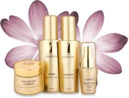 According to #Luminique #reviews, the brand offers a set of products that promises excellent anti aging skin care rituals.