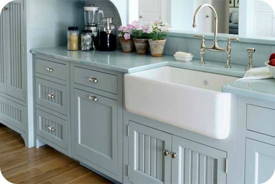 Farm house sinkFarms House, Cabinets Colors, Blue Kitchens, Farms Sinks, Kitchen Sinks, Farmhouse Kitchens, Farmhouse Sinks, Farm Sinks, Kitchens Sinks
