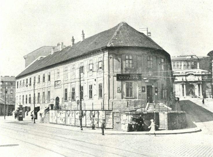 1920 Szarvas tèr