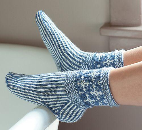 Ravelry: Snowflake Socks pattern by Laura Farson Twined knitting