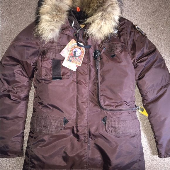 Woman's Parajumpers jacket Brand new with tags!!! Perfect Xmas gift....woman's size medium slim color brown. Down and fur material. Warmest jacket you will find!!! Made in Alaska ParaJumpers Jackets & Coats