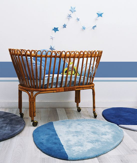 MiPetiteLife.es - Alfombra Lilipinso infantil stone azul claro claro. Bi-colores y diseño de la alfombra. Alfombra Pequeño, todas únicas con formas originales. Para una suave y esponjosa para jugar o simplemente tumbarse espacio.De luz, los niños pueden moverse con facilidad para adaptarse a susnecesidades. Disponible en 8 colores armoniosos. Fabricación artesanal. Alfombra de algodón Fabricación : India www.MiPetiteLife.es