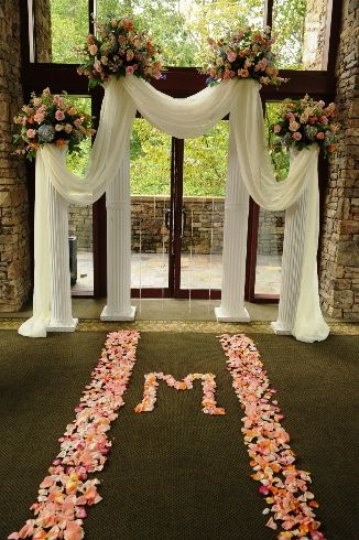 Atlanta Wedding Flowers, Bridal Bouquets, Decorations, Lounge furniture, Chiavari Chairs, Chair covers, Grace Ormonde Platinum List. Wedding Florist in Atlanta, PERFECT PETALS FLORIST - Details